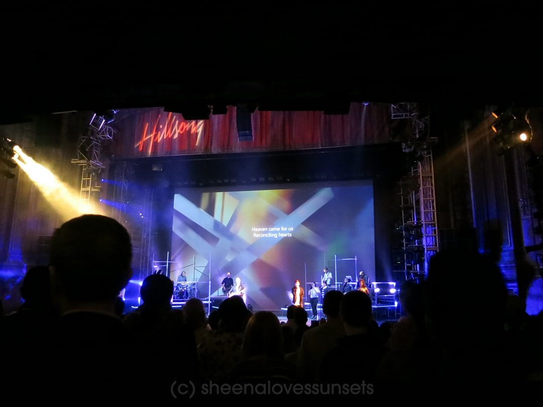 Hillsong SheenaLovesSunsets.com-min