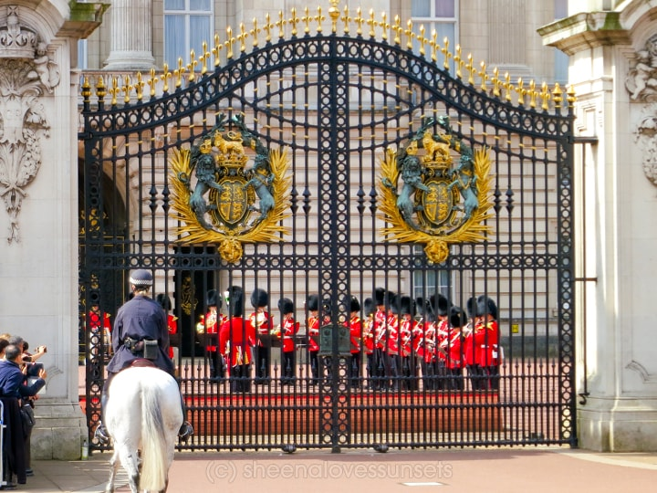 London Buckingham-min