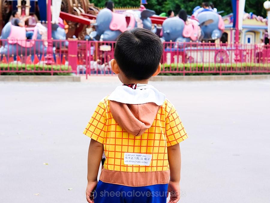 Hong Kong Disneyland 10-min