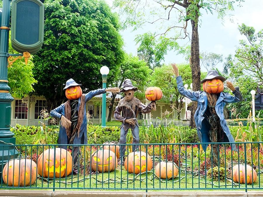 Hong Kong Disneyland 16-min