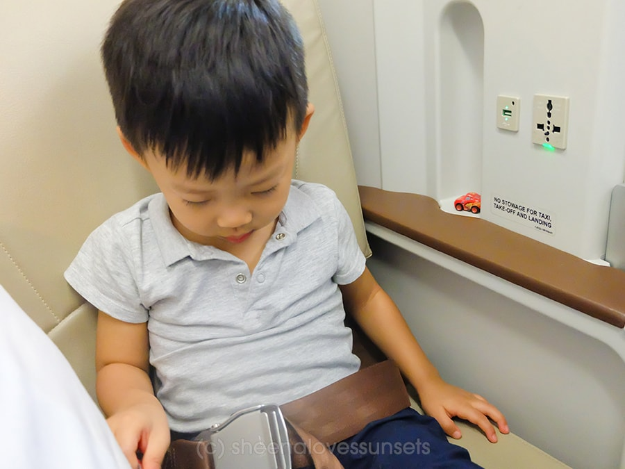 Philippine Airlines Business Class 13-mina