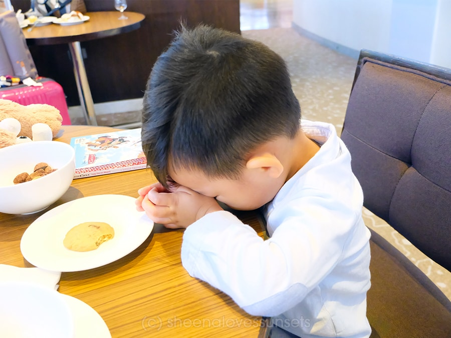 Praying 1-min