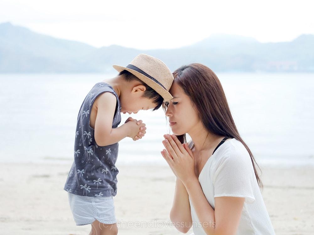 Praying 3-min